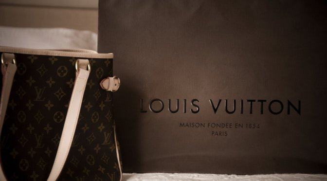 063017 LOUIS VUITTON THE BEGININGS BY A LOVING FOCUSED ELLE FAN OF ELLE FANNY
